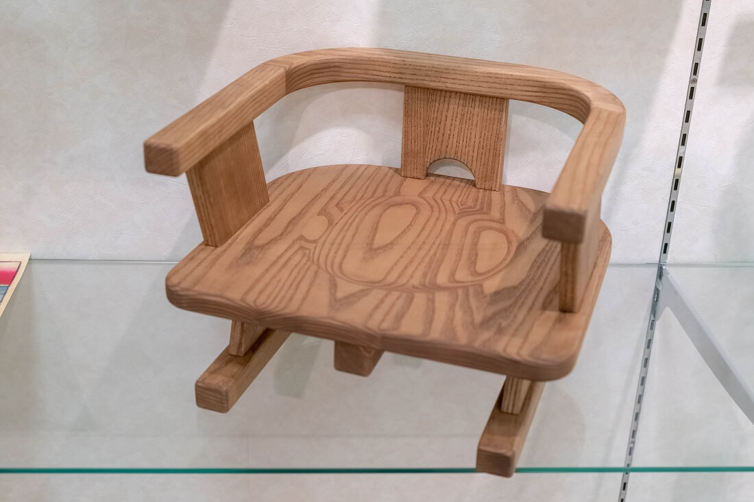 ローテーブル向け子ども椅子